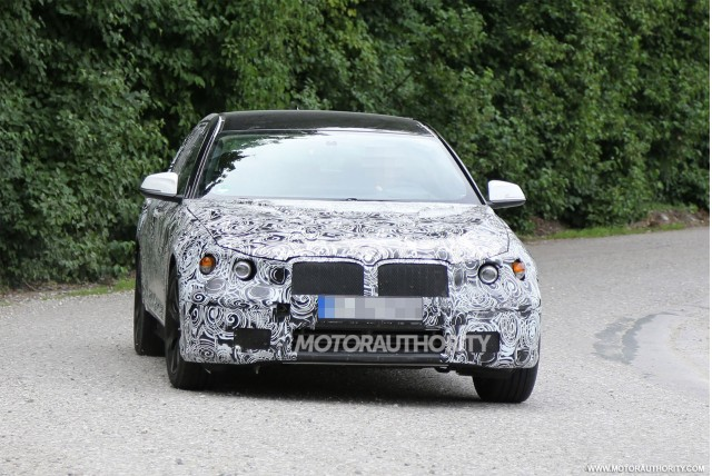 2017 BMW 5-Series test mule spy shots