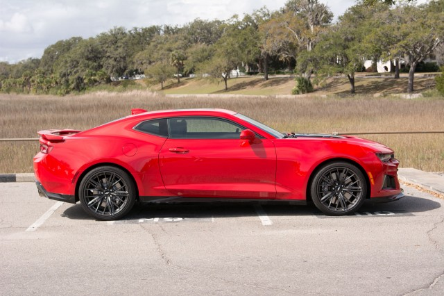 Here's the Chevrolet Camaro ZL1 1LE and All Its Crazy Aero
