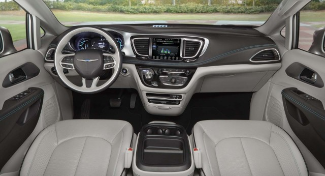 2017 chrysler pacifica hybrid plug in minivan recalled for faulty diode updated. Black Bedroom Furniture Sets. Home Design Ideas