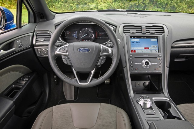 2018 ford fusion se interior 2017 2018 2019 ford price release date reviews. Black Bedroom Furniture Sets. Home Design Ideas