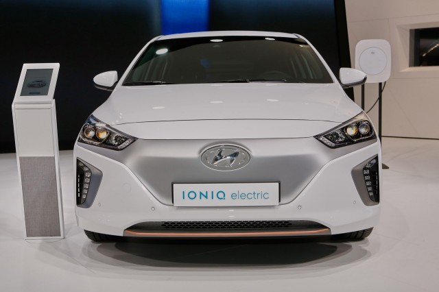 Hyundai Ioniq Electric Car To Get 200 Miles Of Range 39 Soon 39