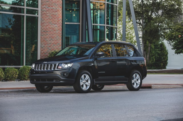 2017 jeep compass x review ratings specs prices and photos the car connection. Black Bedroom Furniture Sets. Home Design Ideas