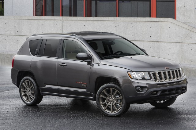 2017 jeep compass review ratings specs prices and. Black Bedroom Furniture Sets. Home Design Ideas