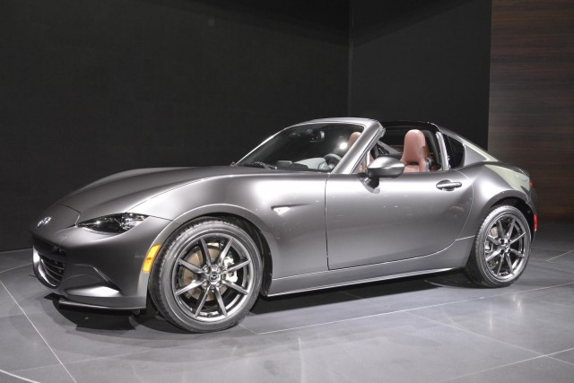 2017 mazda mx 5 miata rf is a droptop fastback dandy. Black Bedroom Furniture Sets. Home Design Ideas