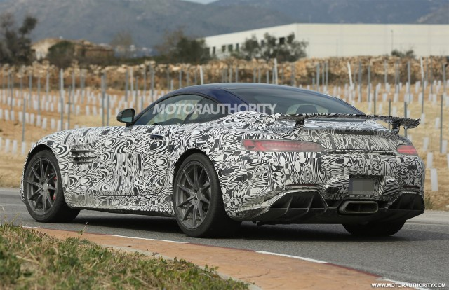Mercedes-AMG GT R coming with 577 horsepower