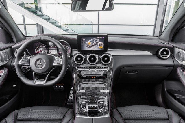 Mercedes officially presents the 2017 Mercedes-AMG GLC 43 Coupe