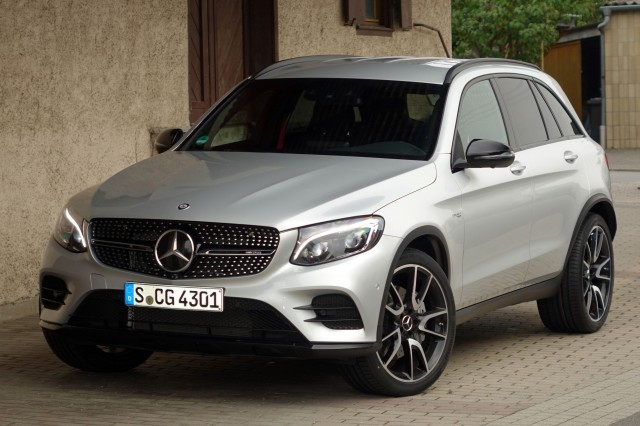 New and used mercedes benz glc class prices photos for 2017 mercedes benz glc class dimensions