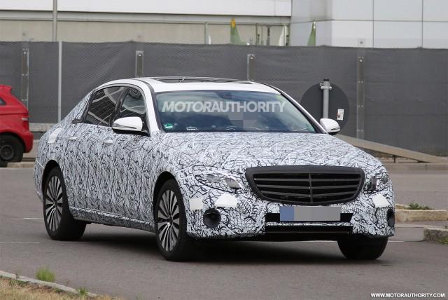 2017 Mercedes-Maybach E-Class spy shots - Image via S. Baldauf/SB-Medien