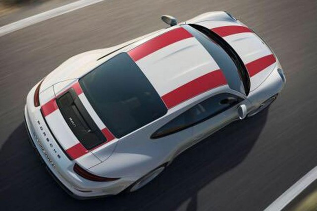 2017 Porsche 911 R leaked