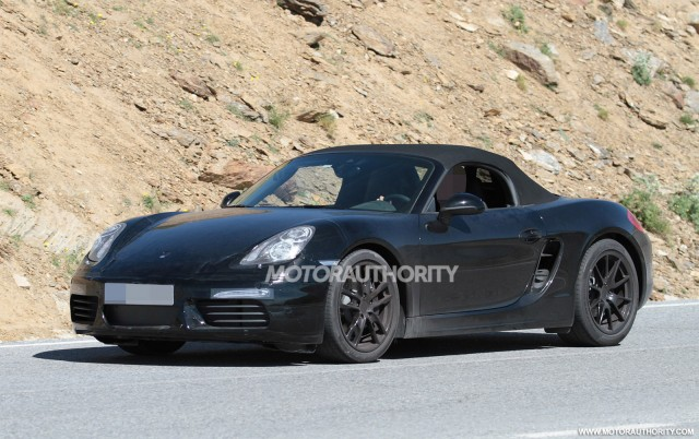 2017 Porsche Boxster facelift spy shots