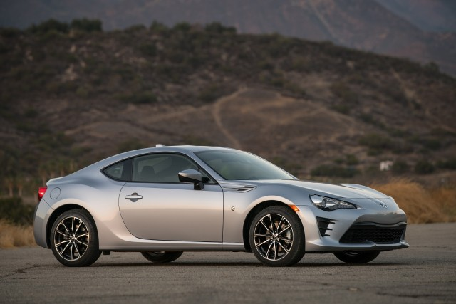 2017 subaru brz vs 2017 toyota 86 compare cars page 2. Black Bedroom Furniture Sets. Home Design Ideas