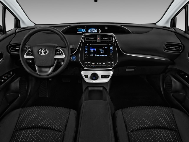 2017 Toyota Prius Two (Natl) Dashboard