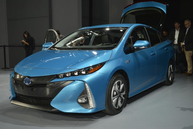replacing my old toyota prius hybrid what are my options. Black Bedroom Furniture Sets. Home Design Ideas