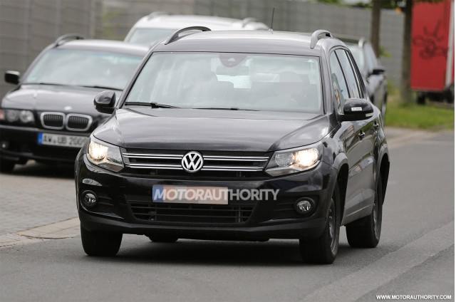 2017 Volkswagen T-Roc production model test mule spy shots