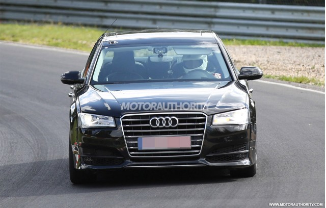 2018 Audi A8 test mule spy shots