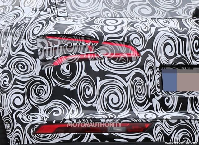 2018 Audi Q5 spy shots - Image via S. Baldauf/SB-Medien