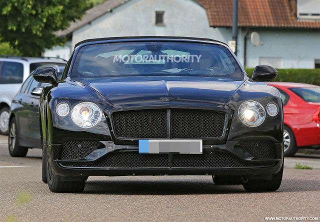 2018 Bentley Continental GT Convertible spy shots - Image via S. Baldauf/SB-Medien
