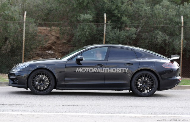 2018 Bentley Continental GT test mule spy shots - Image via S. Baldauf/SB-Medien