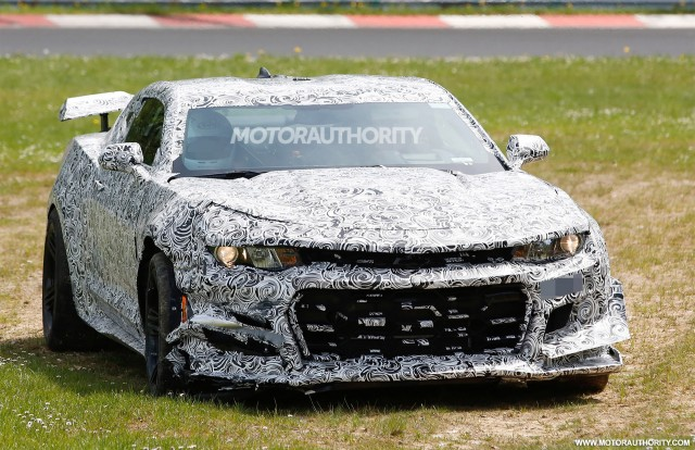2018 Chevrolet Camaro Z/28 prototype crashes at the Nürburgring - Image via S. Baldauf/SB-Medien