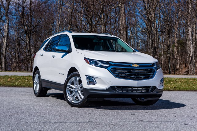 2018 Chevrolet Equinox Vs 2017 Honda Cr V The Car Connection