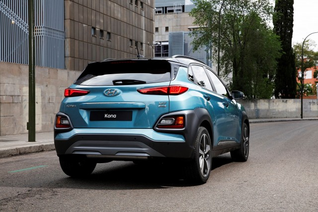 2018 hyundai kona revealed electric version coming. Black Bedroom Furniture Sets. Home Design Ideas
