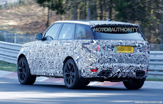 2018 Land Rover Range Sport SVR Facelift Spy Shots