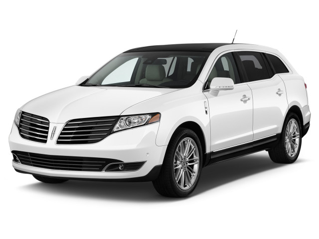 2018 Lincoln MKT 3.5L AWD Reserve Angular Front Exterior View