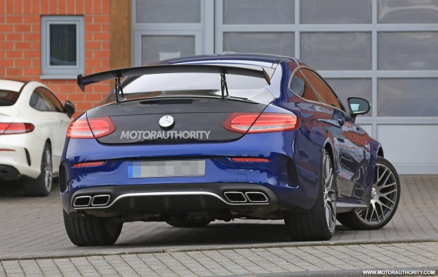 2015 - [Mercedes] Classe C Coupé & Cabriolet [C205/A205] - Page 15 2018-mercedes-benz-c63-r-coupe-spy-shots--image-via-s-baldauf-sb-medien_100568602_m