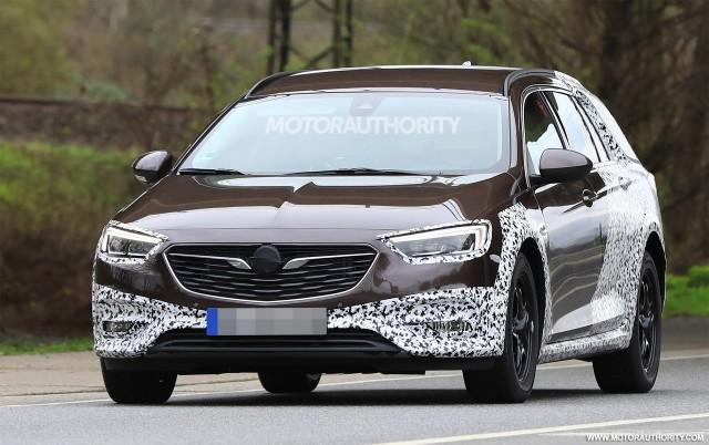 2018 Opel Insignia Country Tourer spy shots - Image via S. Baldauf/SB-Medien