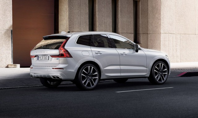 2018 Volvo XC60 T8 R-Design with Polestar optimization