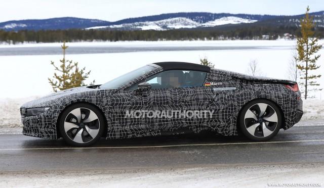 2013 - [BMW] i8 [i12] - Page 22 2019-bmw-i8-spyder-spy-shots--image-via-s-baldauf-sb-medien_100596088_m
