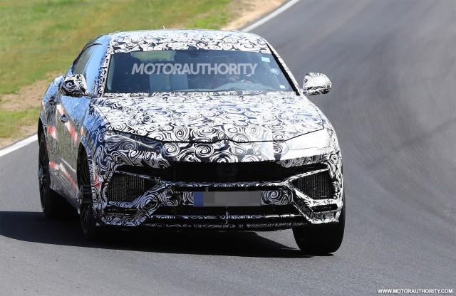 2019 Lamborghini Urus spy shots - Image via S. Baldauf/SB-Medien