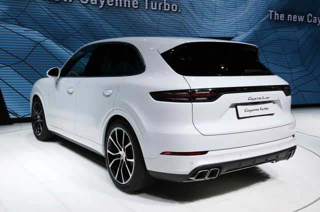 Porsche Cayenne Turbo revealed