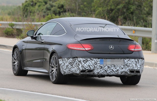 2020 Mercedes-AMG C63 Coupe facelift spy shots - Image via S. Baldauf/SB-Medien