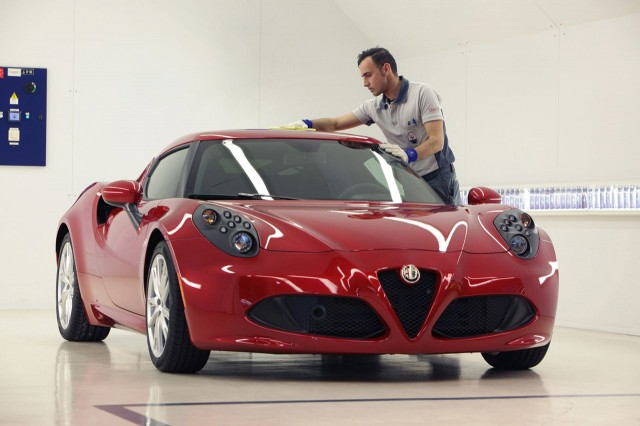 Alfa Romeo 4C production