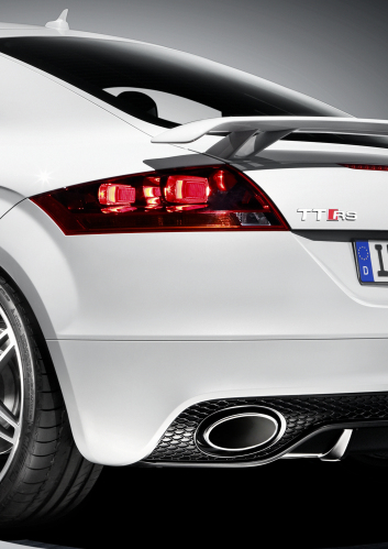 Audi TT RS: Sonorous Turbo Five Spits Out 300+ Hp