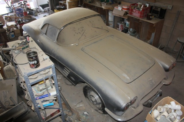 Barn find 1961 Corvette, parked since 1968  Image: eBay Motors