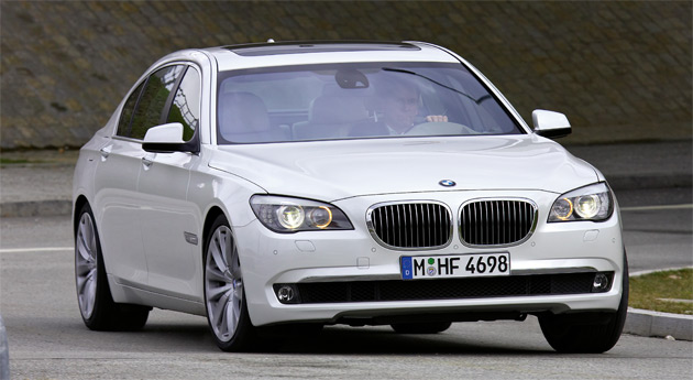 The new 6.0L V12 is rated at 536hp (400kW) and 553lb-ft (750Nm) of torque and is mated to a ZF eight-speed automatic