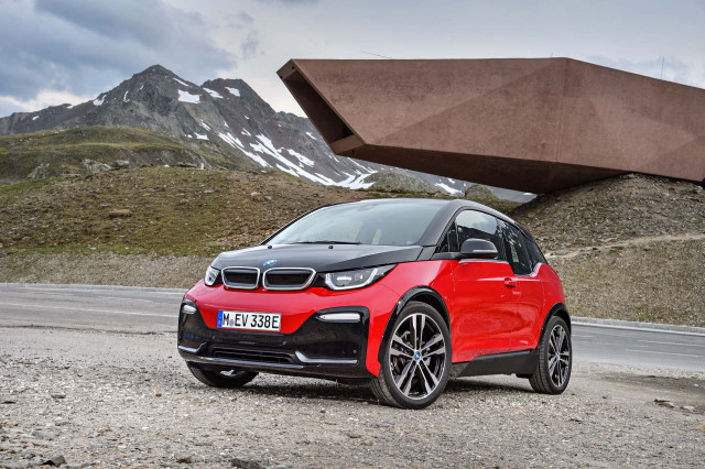 BMW i3 revealed: i3s gets more power, sportier handling