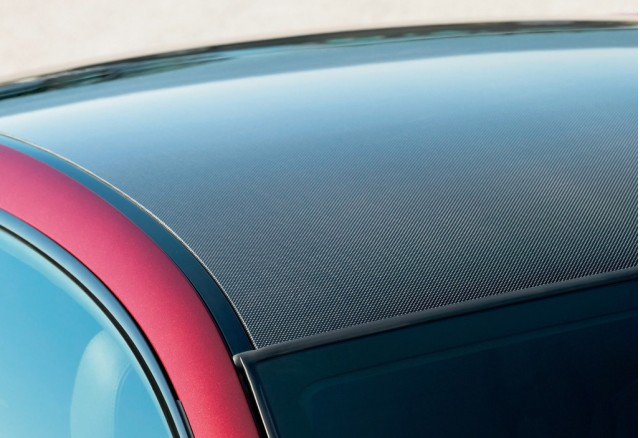 BMW M6 carbon-fiber roof