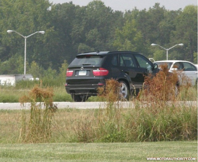 bmw x5 m spy motorauthority 001