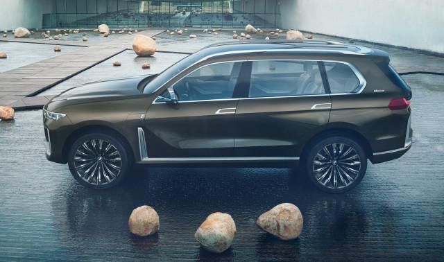 Bmw X7 Concept Previews New Full Size 3 Row Suv Techristic Com