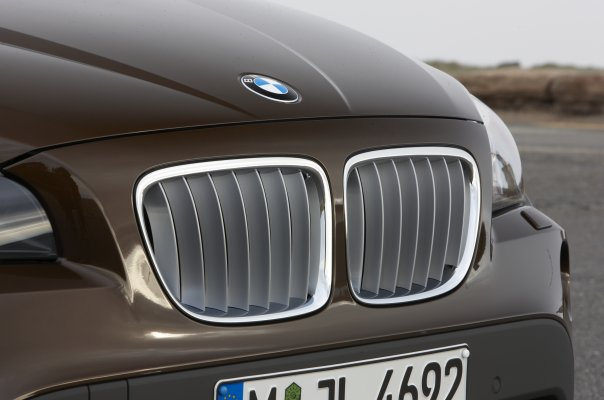 2011 BMW X1: The Tease Begins