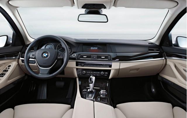 2011 BMW 5-Series sedan
