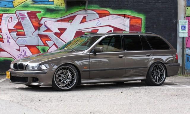1999 BMW 528iT with a 427 V-8 swap