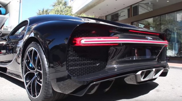 Bugatti Chiron, Speeding 2016 Chevrolet Camaro SS, 2017 Porsche ...