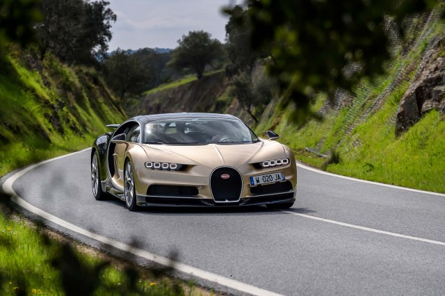 2017 bugatti chiron first drive review the king of the. Black Bedroom Furniture Sets. Home Design Ideas