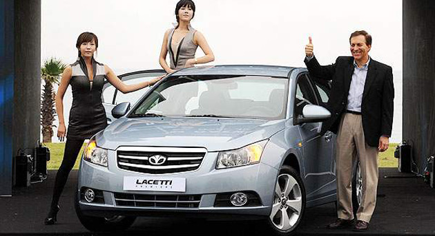 GM Daewoo boss Michael Grimaldi launches the Lacetti in South Korea