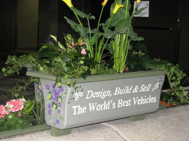 Chevrolet Volt battery cover planter