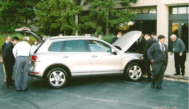 Chicago press inspect VW's 2011 Touareg